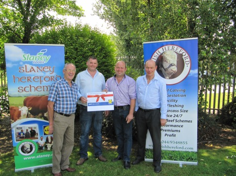 Nicholas O'Connor left and James O'Connor 2nd from right receive their prize of a €400 LIDLshopping voucher from  John McDonnell Slaney Foods, and Larry Feeney Irish Hereford Breed Society Ltd.