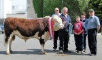 Champ Glosterbeg 263, Judge John Canty, owners David,Glen & Davina Lewis with IHBS President Timmy O'Sullivan