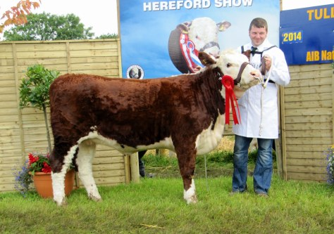 1st Prizewinner Newland Val with Hugh Murray