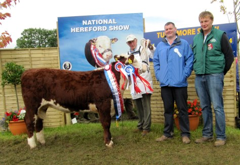 2 Reserve Supreme Champion Knockmountagh Cindy with owner Eamon McKiernan with John McDonnell Slaney Foods and Ivor Deverell President Irish Hereford Breed Society Ltd.
