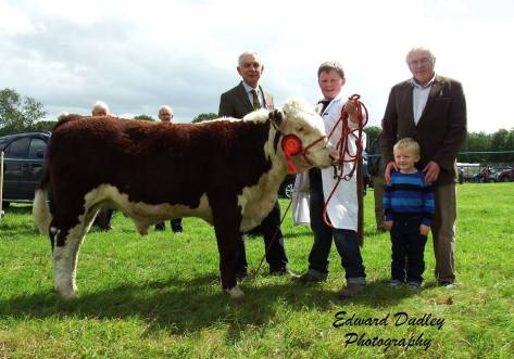 Young handler winner Liam Farrell, with judge Robin Irvine and Sponsor Martin and Tommy Murphy