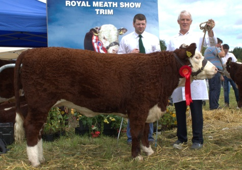 Winner July-Oct heifer class Castledaly Lucy with Hugh P Murray and owner Michael Farrell